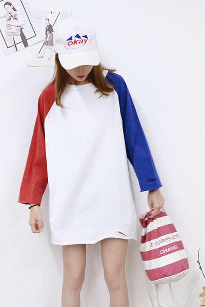 简约T恤搭配饰品 韩系个性风